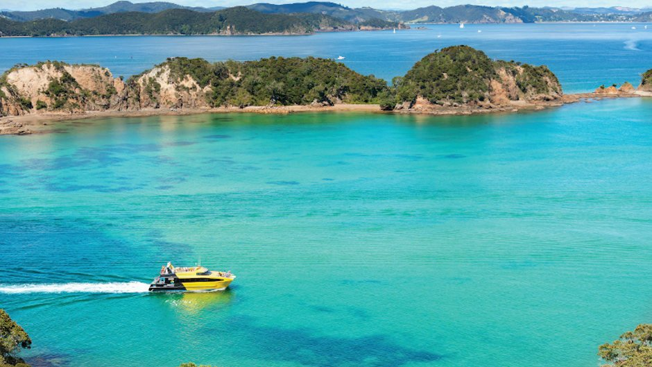 Join us for an unforgettable cruising adventure and discover the very best of the Bay of Islands!