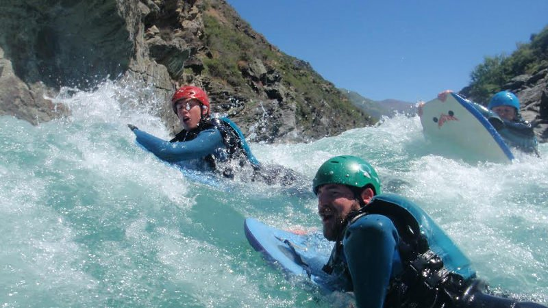 Whitewater: Rafting & Riversurfing