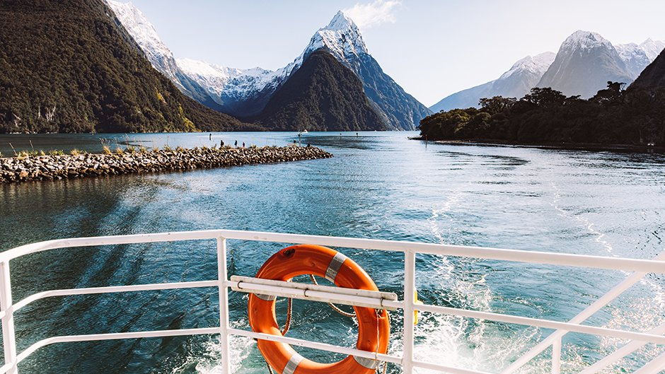 Jucy Milford Cruise deals queenstown