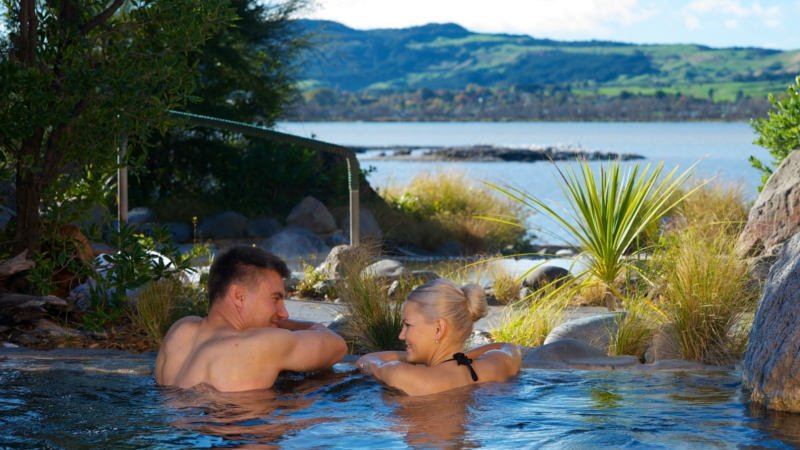 Leave the hustle and bustle of Auckland behind and venture on a magical journey through the incredible geothermal regions of Rotorua and Waitomo...