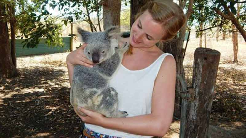 Get a unique hands on experience at Rob Bredl's 175 acre bushland wild farm! This day tour from Airlie Beach will give you a true experience with the iconic bushman