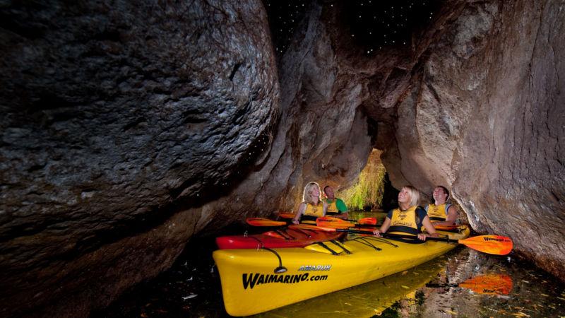 Lake Rotoiti Hot Pool & Glow Worm Kayak Tour - Rotorua