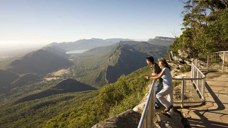 Join Autopia Tours for an incredible two day tour along the iconic Great Ocean Road and through the amazing Grampians National Park!