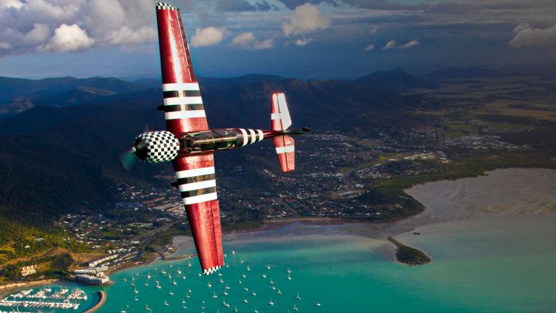 Whitsundays - Airlie Beach - Townsville - Stunt Planes & Gliders