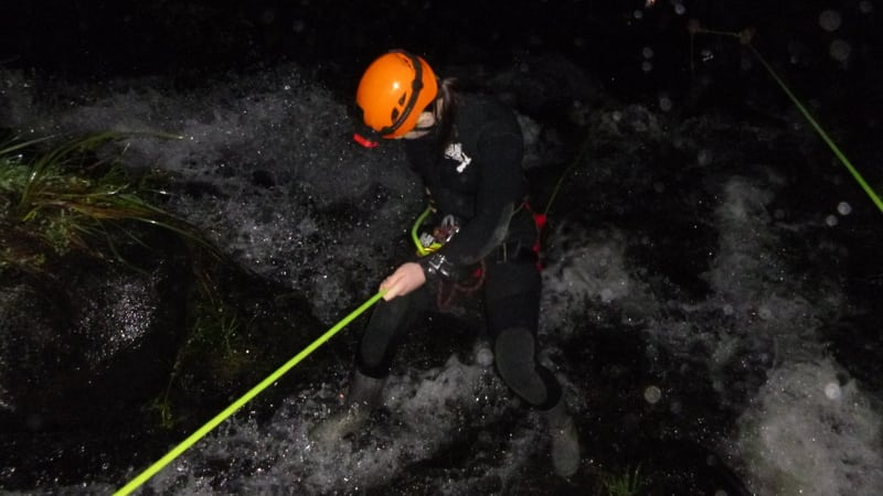 An authentic New Zealand canyoning experience for all year round! As night falls, be guided by the light of the glow worms and stars!